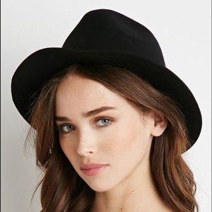 Black braided fedora hat